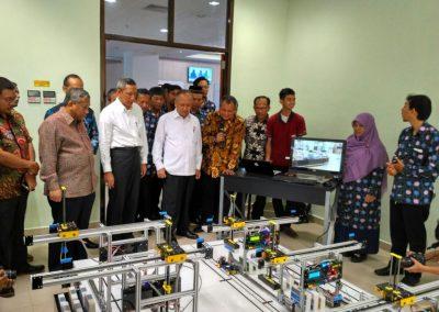 Kunjungan Kemenristek Dikti pada Project Port Simulator